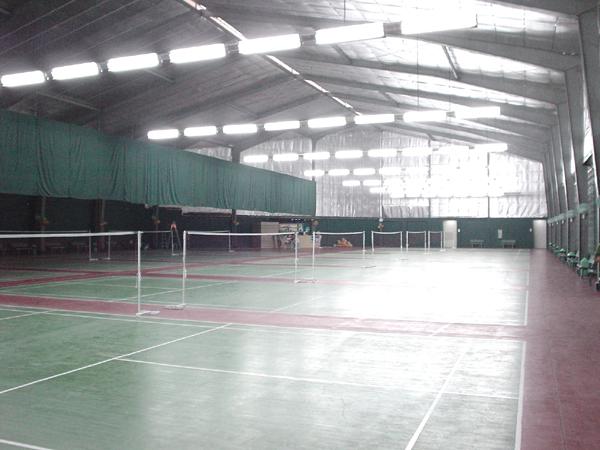 Badminton tennis courts of metro manila philippines for Badminton court ceiling height