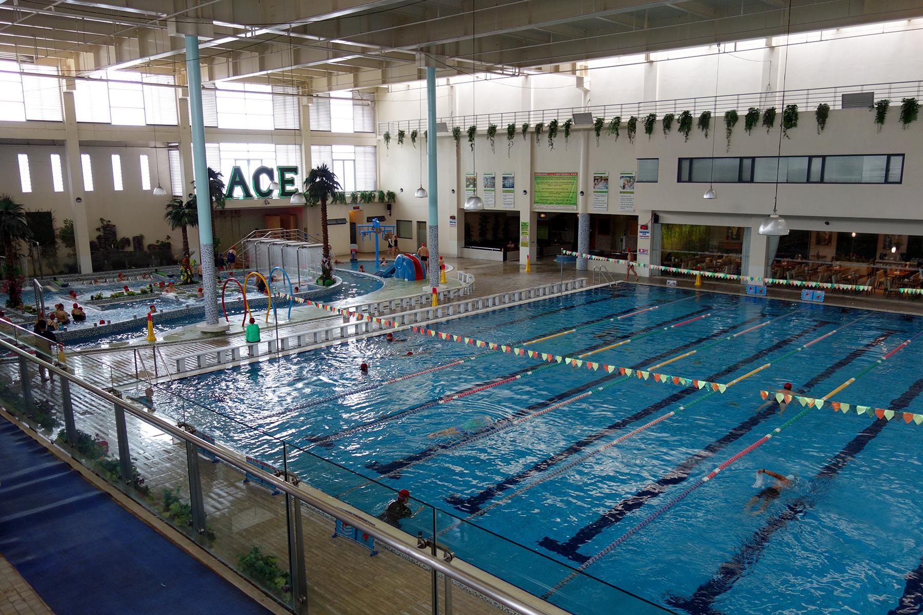Swimming pools of metro manila for Affordable pools near metro manila